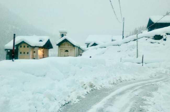 alagna neve strada