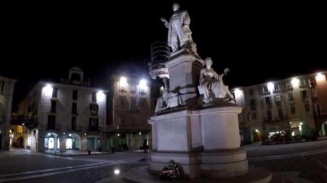vercelli piazza cavour