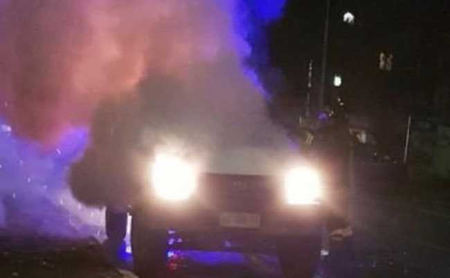 vigili del fuoco incendio autovettura