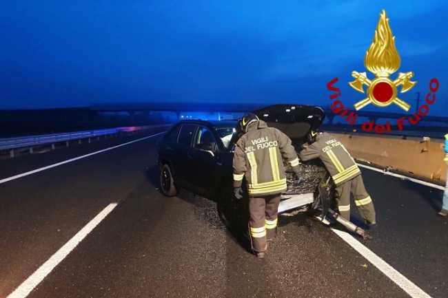 vigili del fuoco incidente autostradaa