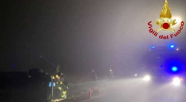 vigili del fuoco incidente nebbia
