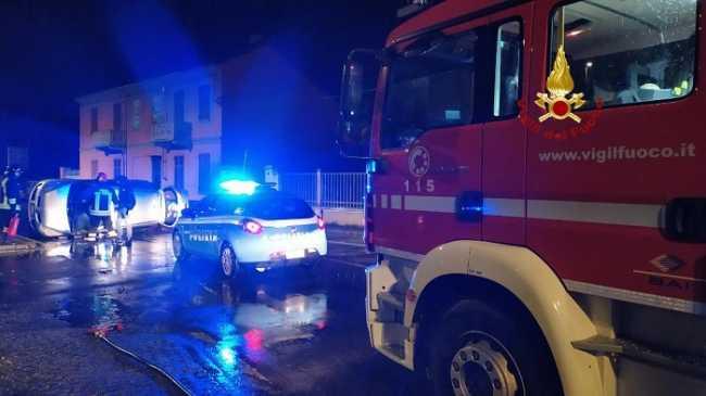 vigili del fuoco incidente vercelli notte