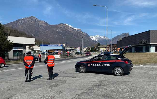 carabinieri controlli mascherina