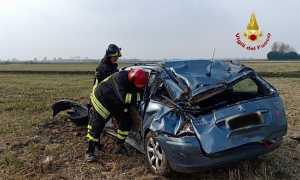 incidente auto fuori strada