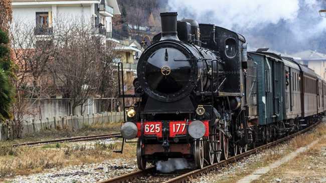 treno storico novara varallo