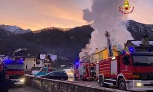 vigili del fuoco incendio scopa case
