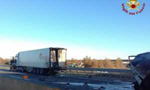 vigili del fuoco incidente a4 camion